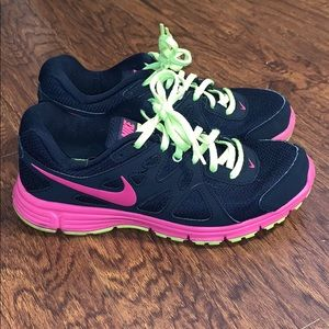 Women's Nike Revolution 2 Running Sz 8